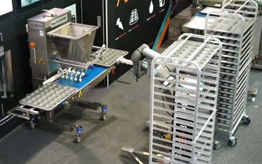 Robotic tray loading, unloading and racking with a Cobot preview image